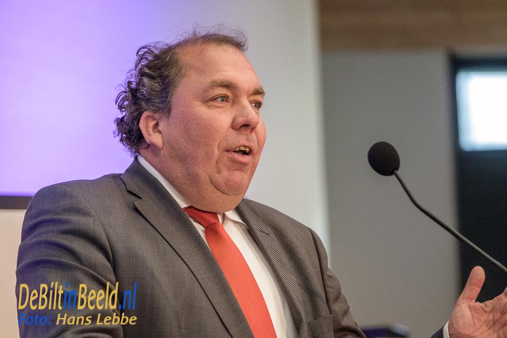 Hans Martijn Ostendorp, burgemeester van Bunnik, nam afscheid van Arjen Gerritsen met een korte rede