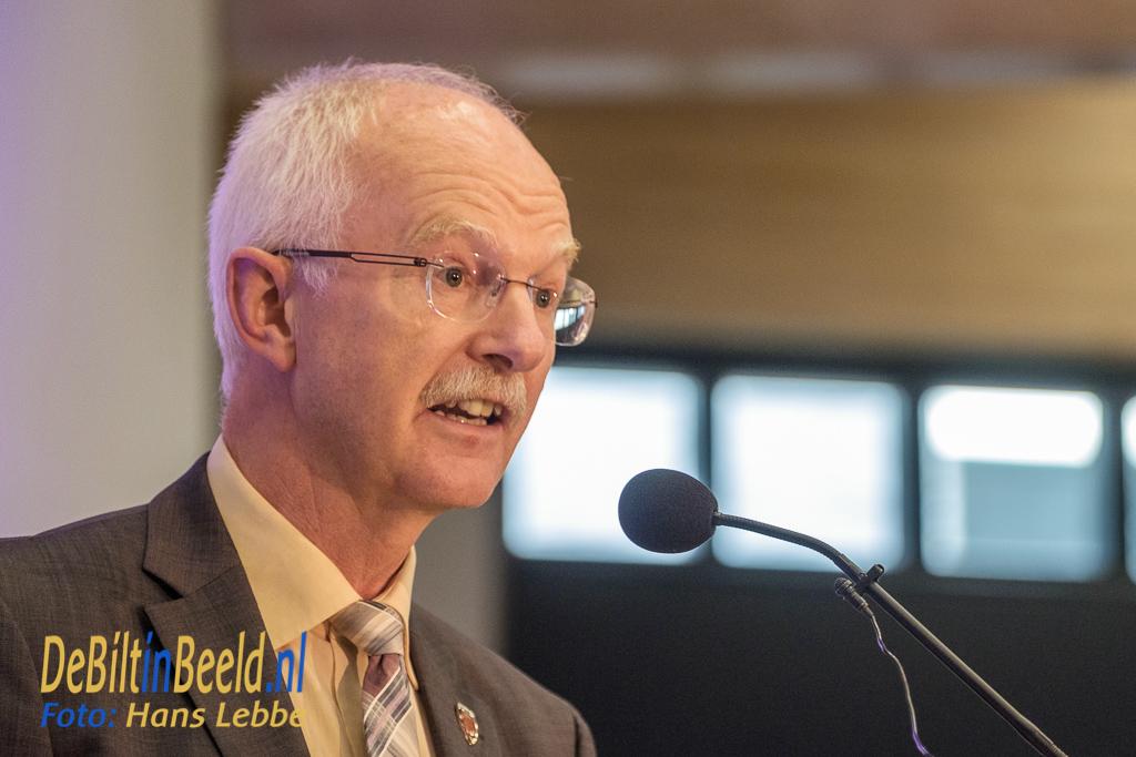De burgemeester van de Stedenband gemeente Coesfeld Heinz Öhmann nam afscheid met een toespraak geheel in het Nederlands!