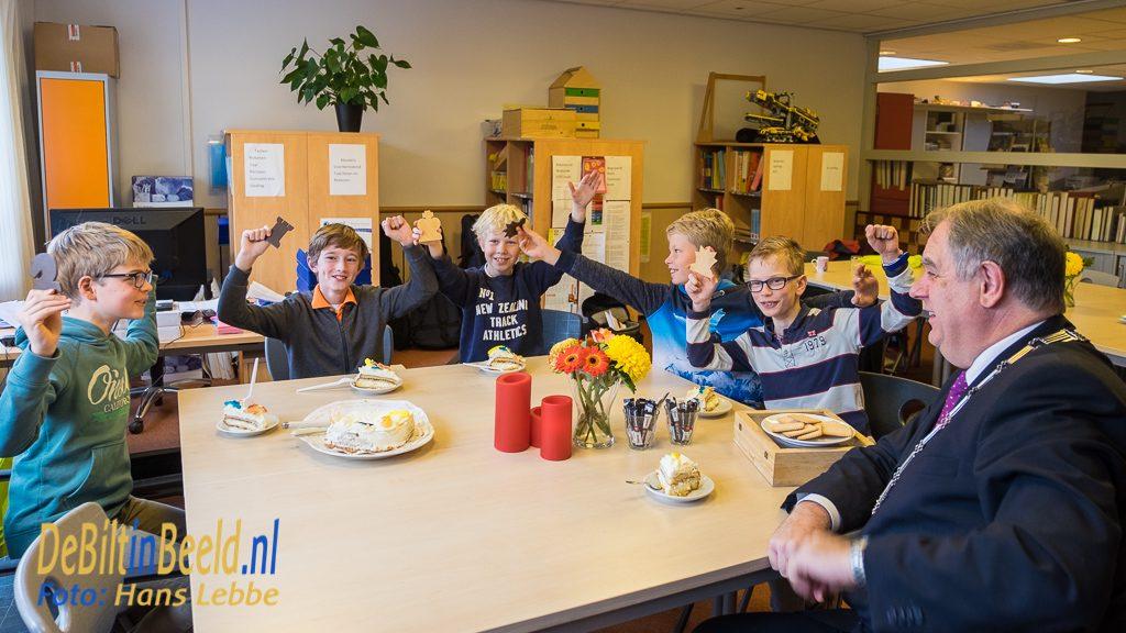 Werkbezoek burgemeester Bas Verkerk aan Julianaschool Bilthoven