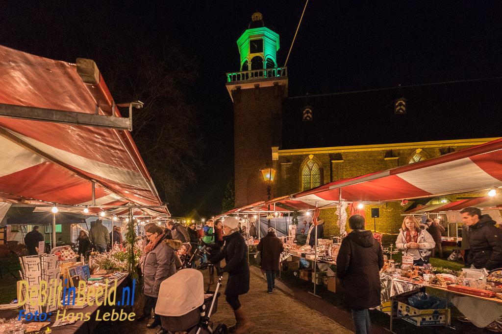 Wintermarkt in Het Oude Dorp van De Bilt rondom de Dorpskerk