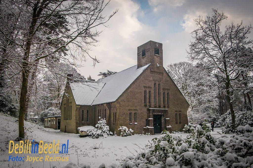 De Woudkapel in de sneeuw