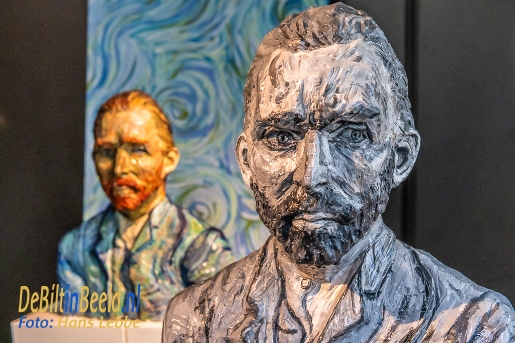 Galerie Mi Opening expositie door burgemeester Potters De Biklt